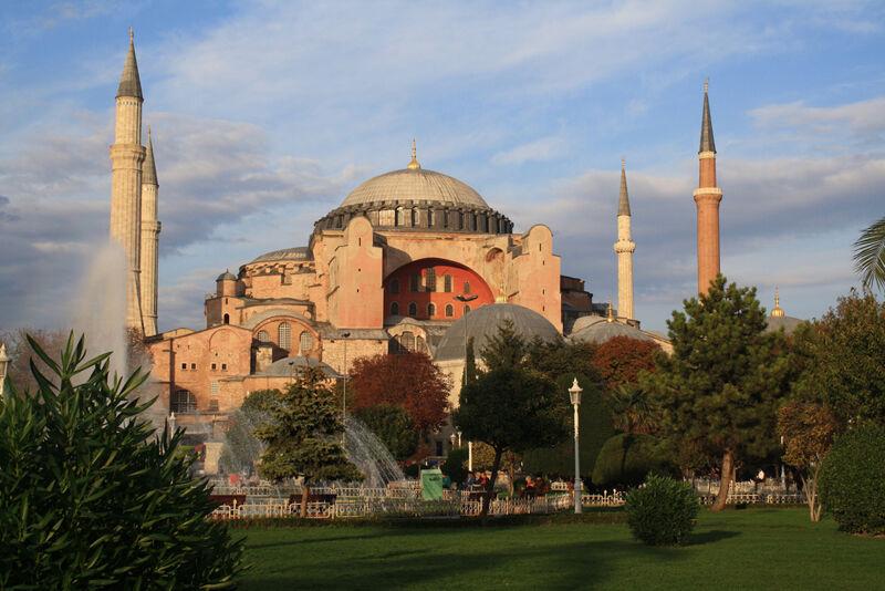 Erdogan decreta convertir el museo de Santa Sofía en una mezquita — Turquía