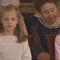 La infanta Leonor, mañana princesa de Asturias, y su hermana Sofía. Detrás, las dos hermanas de don Juan Carlos.