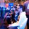 Se puede jugar, claro: Dos jugadores concentrados en la feria Madrid Games Week 2014.