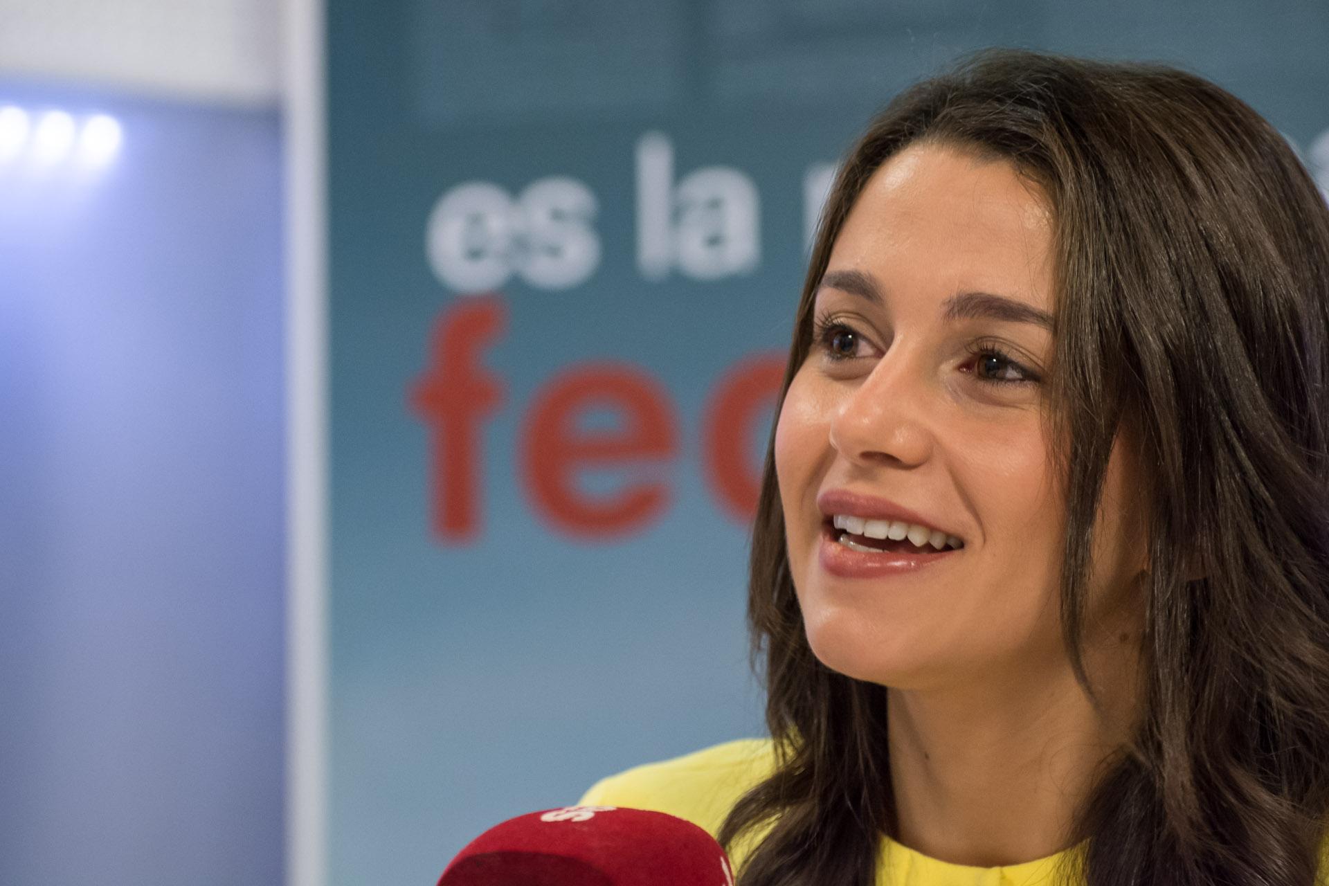 Leticia alonso candidata a musa do brasileiratildeo 2015 do corinthians - 3 6