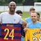 Seguidor del Barça: Kobe Bryant, junto a Andrés Iniesta.