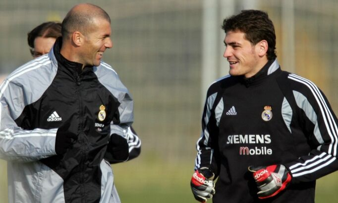 """La SER rectifica: """"Un imitador se hizo pasar por Zidane y ofreció volver a  Casillas"""" - Libertad Digital"""