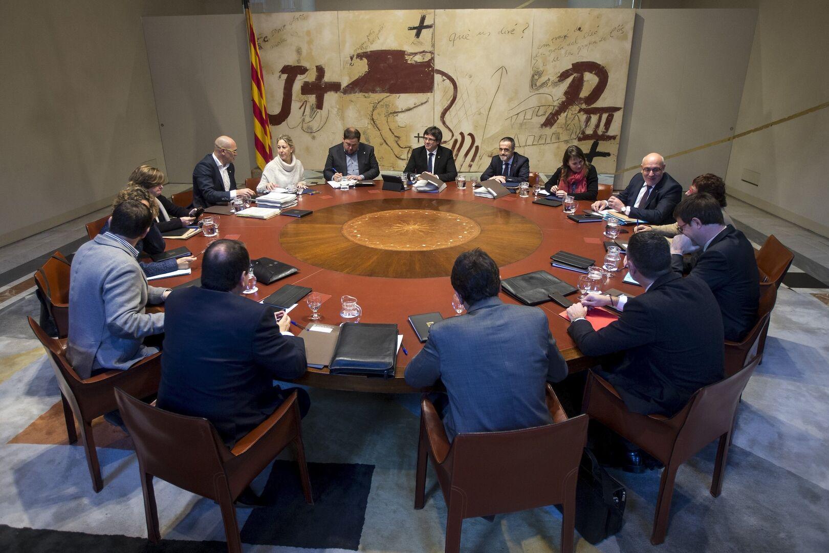 Cataluña, en la fase definitiva: intervención o referéndum