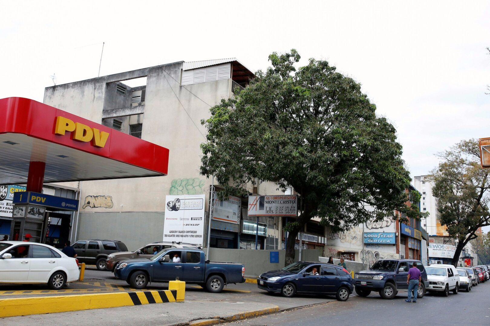 Gasolina por jabón: los insólitos trueques de Venezuela