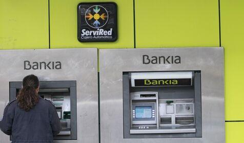 Bankia pone en marcha un ere para trabajadores tras for Bankia oficina movil