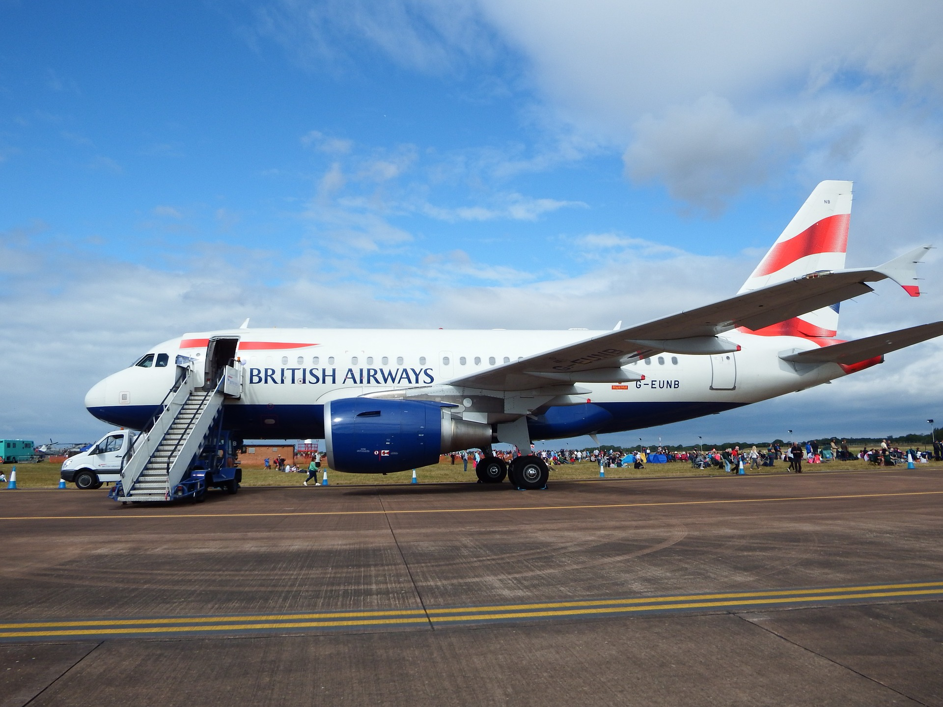 British Airways reanuda parte de sus vuelos en Heathrow mientras ...