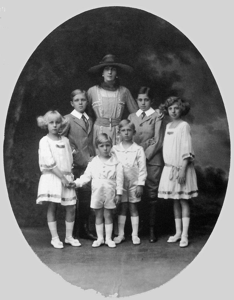 VictoriaEugeniadeBattenberg-hijos.jpg