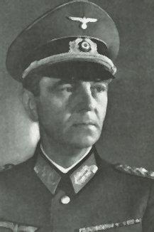 General_Friedrich_Paulus_1890-1957.jpg