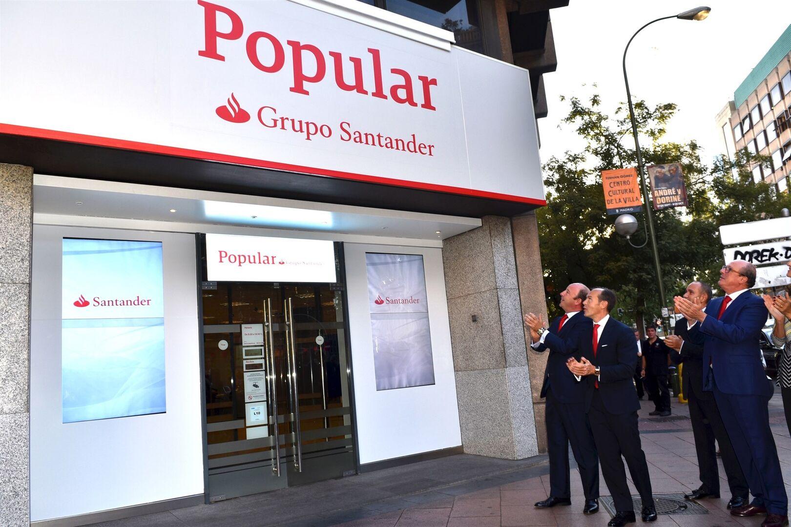 Santander y popular ya permiten a sus clientes usar los for Oficinas liberbank santander