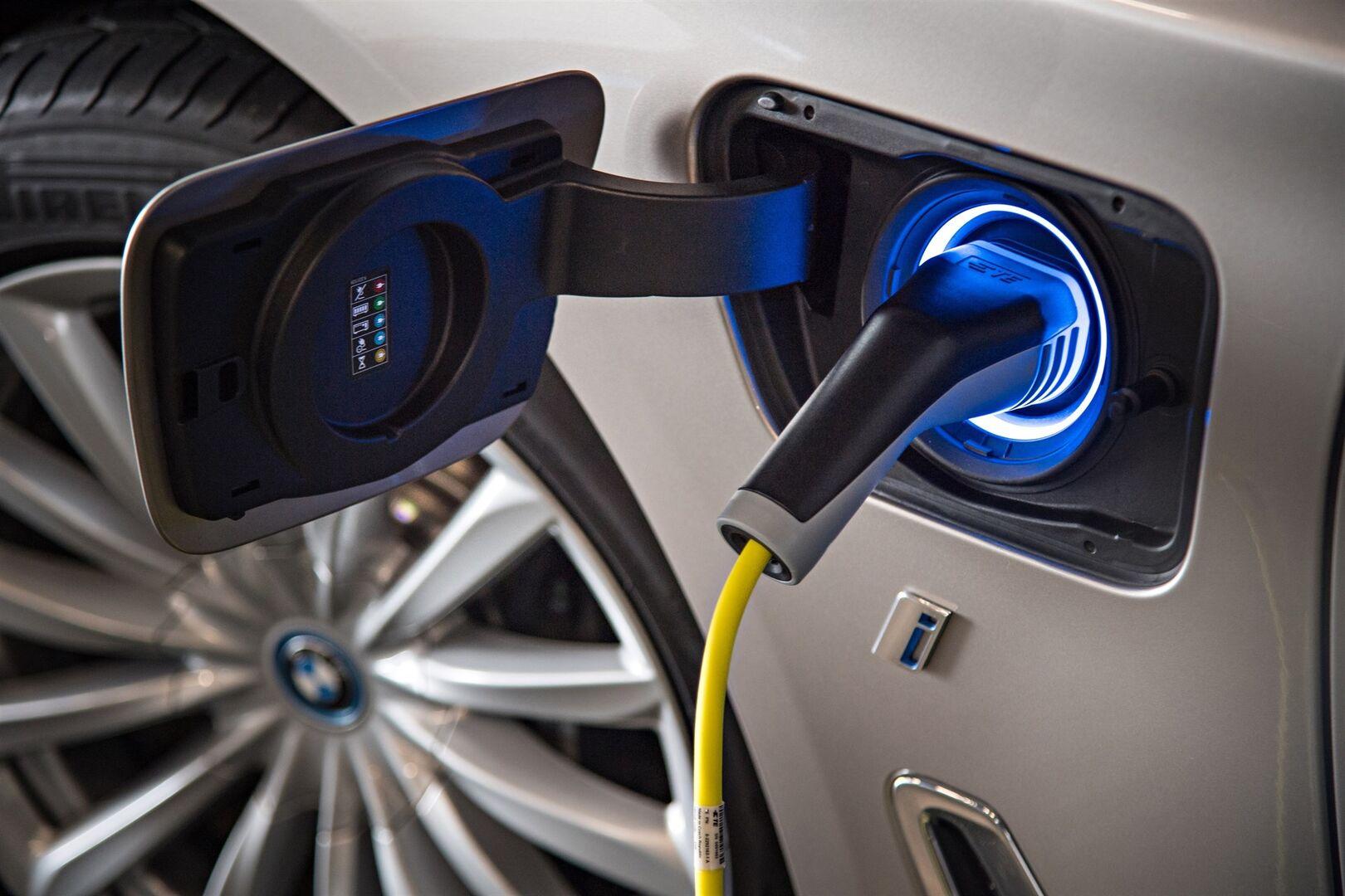Resultado de imagen de plan ayudas vehiculo electrico