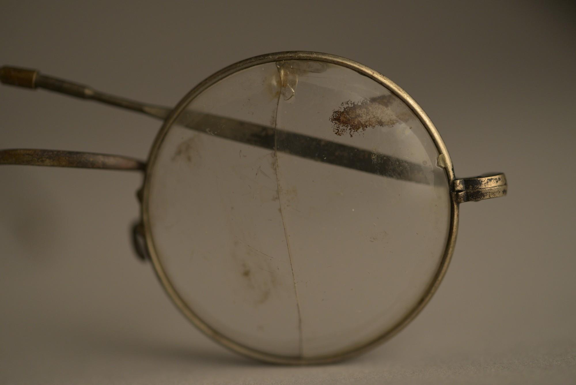 Gafas-Auschwitz.jpg
