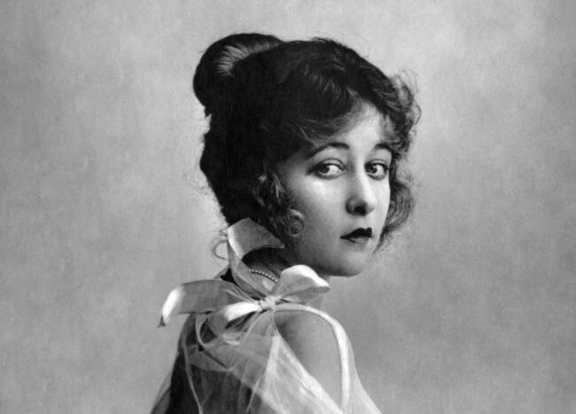 Charles Chaplin siempre las prefirió muy jovencitas Mildred-harris