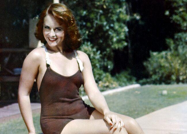 Charles Chaplin siempre las prefirió muy jovencitas Paulette-goddard