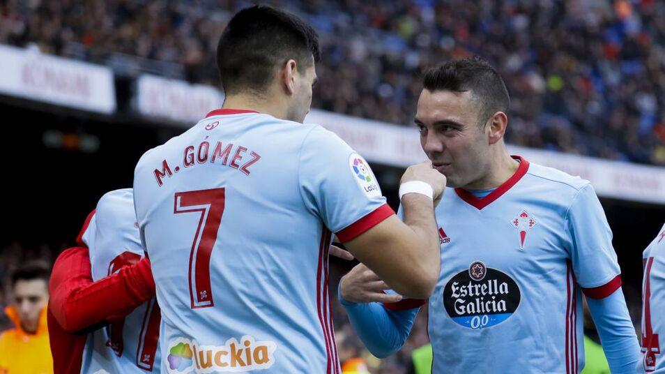 Maxi Gómez y Aspas celebrando un gol (Foto: EFE).