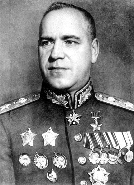 Zhukov-condecorado.jpg