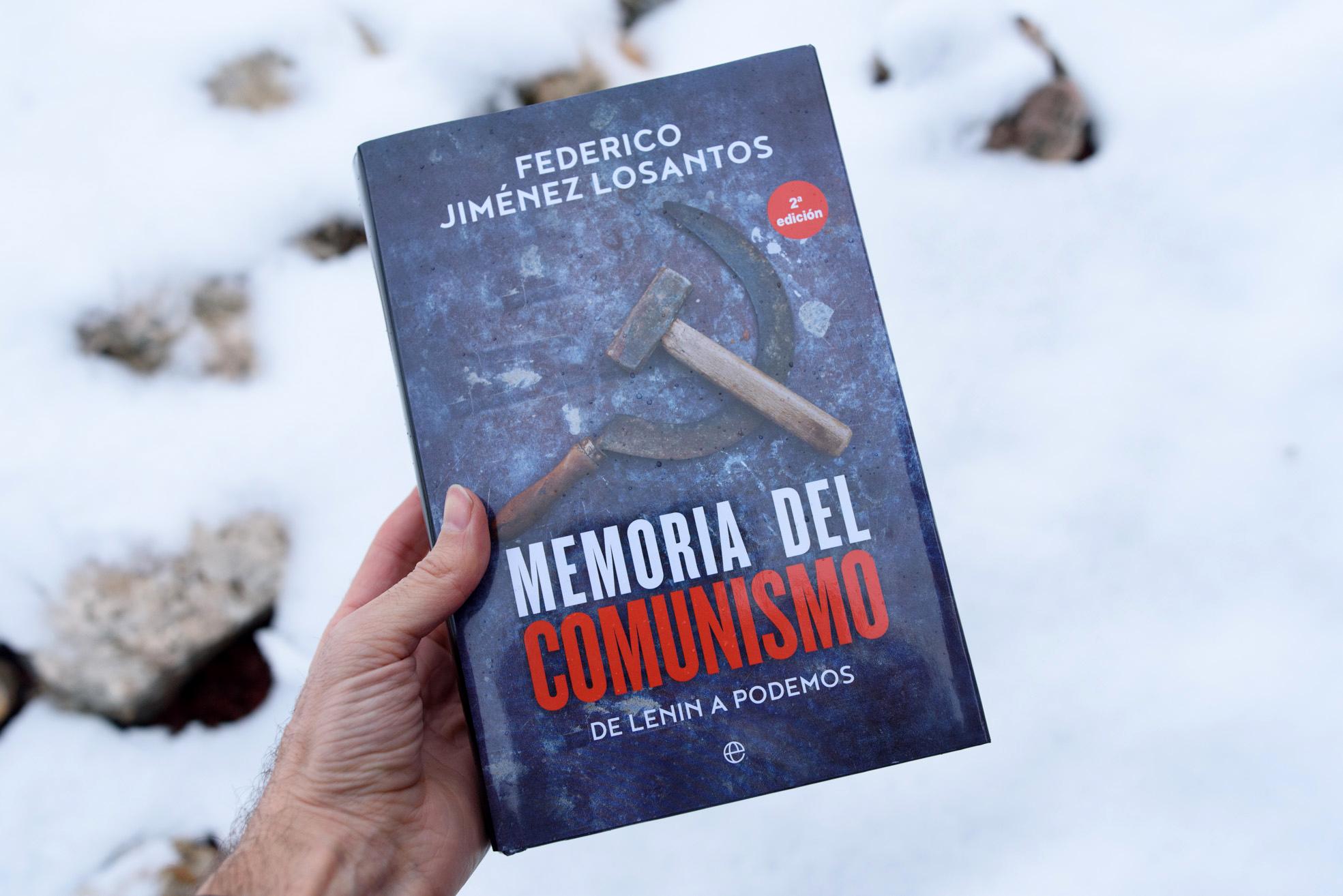 libro-memoria-del-comunismo-nieve-050220
