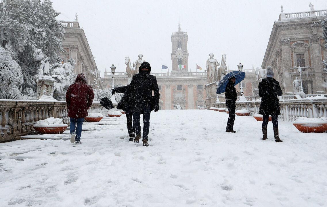 El clima de hoy donde tú vives - Página 6 Nevada-roma-vaticano-260218-8