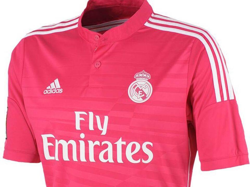 15c31acc93e72 Temporada 2014-15   Rosa - Del dragón al rosa  las camisetas innovadoras  del Real Madrid - null