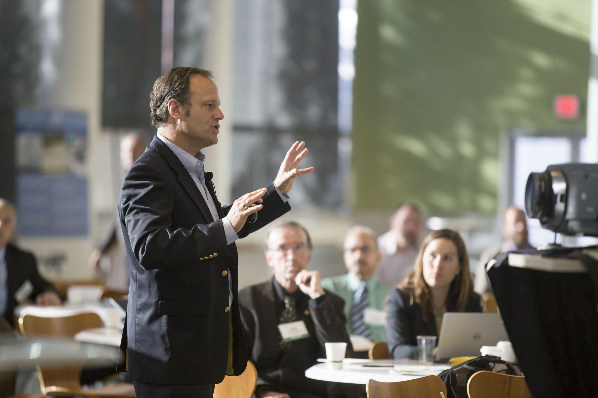 conferencia-hablar-publico-orador.jpg