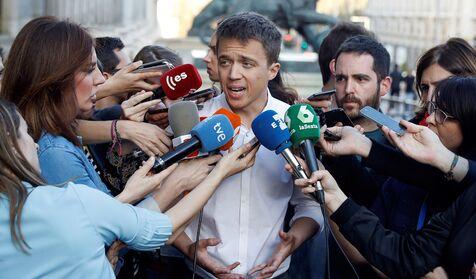 Íñigo Errejón torpedea a Teresa Rodríguez para hacerle un roto a Pablo Iglesias