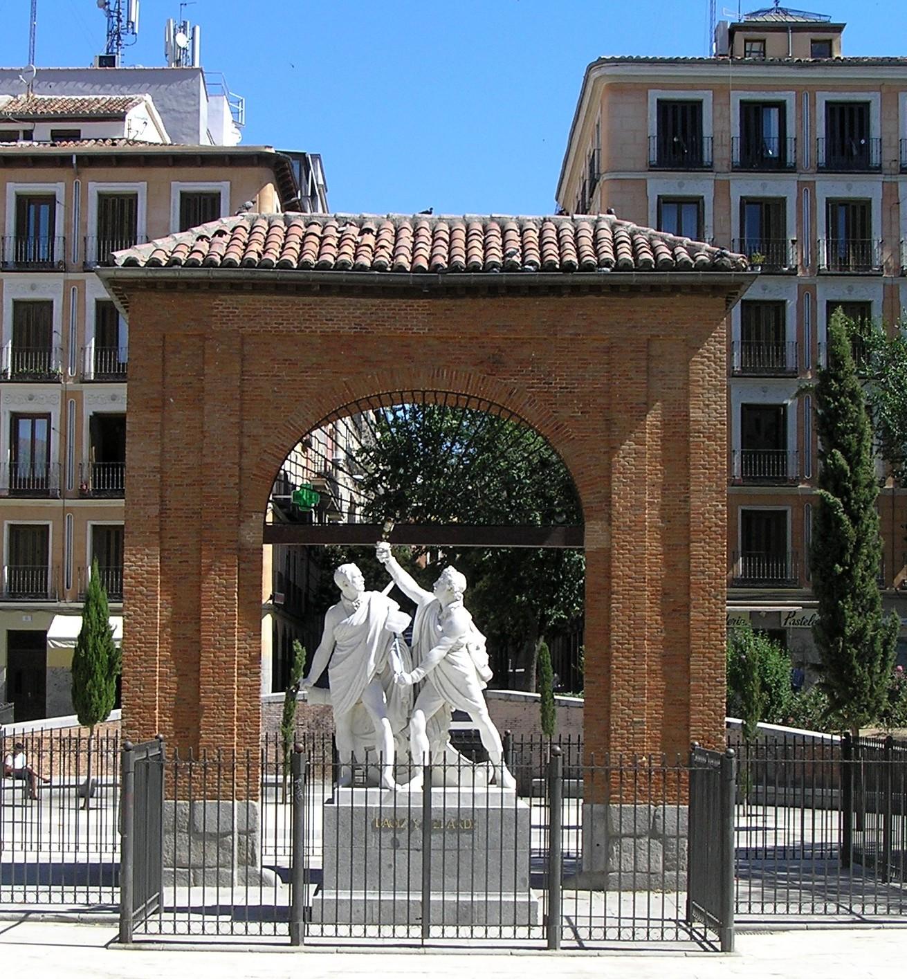 Monumento_a_Daoiz_y_Velarde.jpg