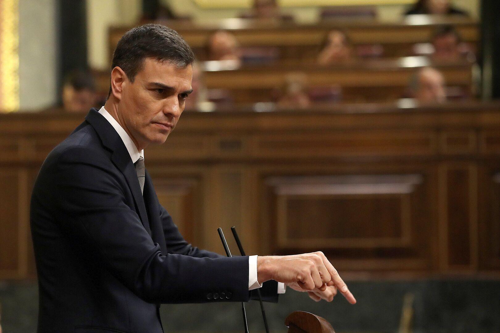 Pedro Sánchez estrena Presidencia presumiendo de un Máster