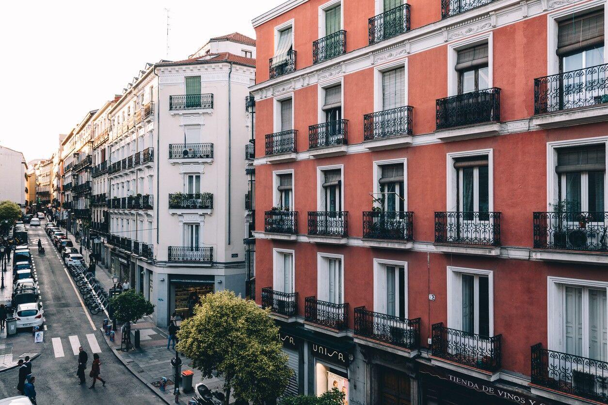 Cómo aumentan los precios de vivienda y alquiler en España