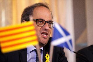 Torra desafía al Estado: los diputados procesados no pierden el sueldo ni el voto Quim-torra-escocia