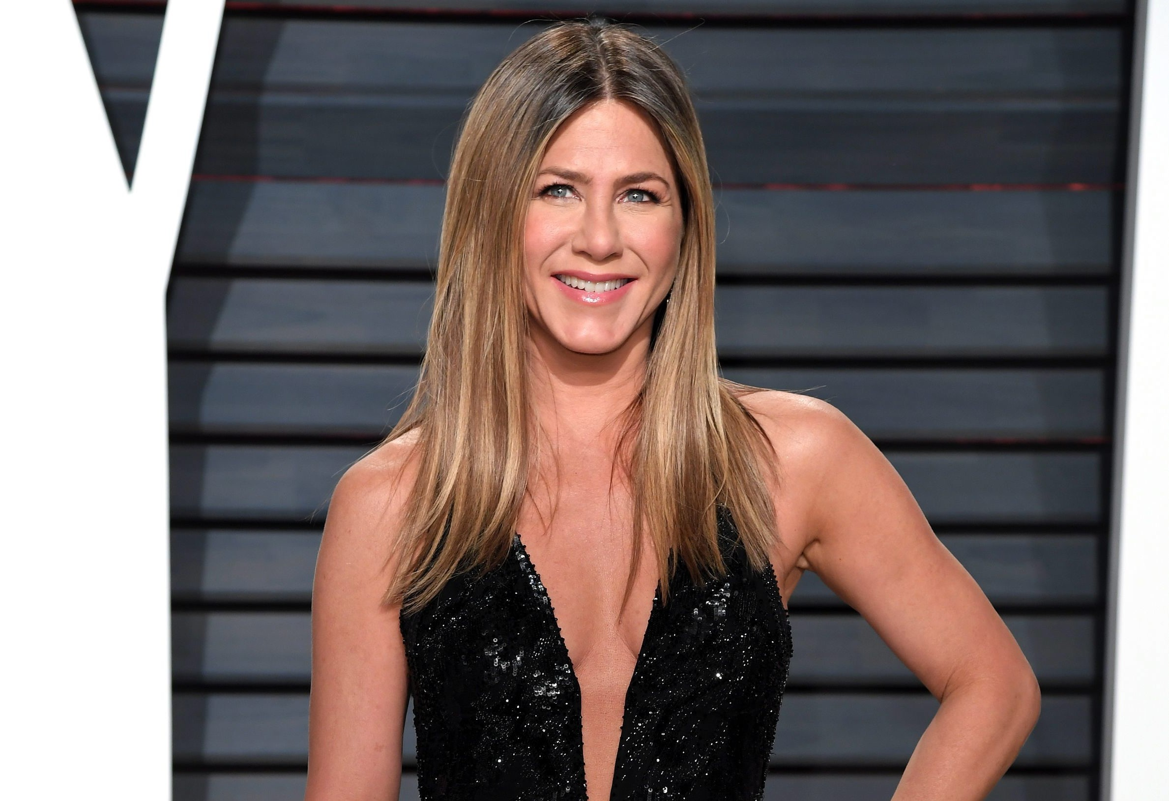 ¿Eterna juventud? - Página 2 Jennifer-aniston-port-2018