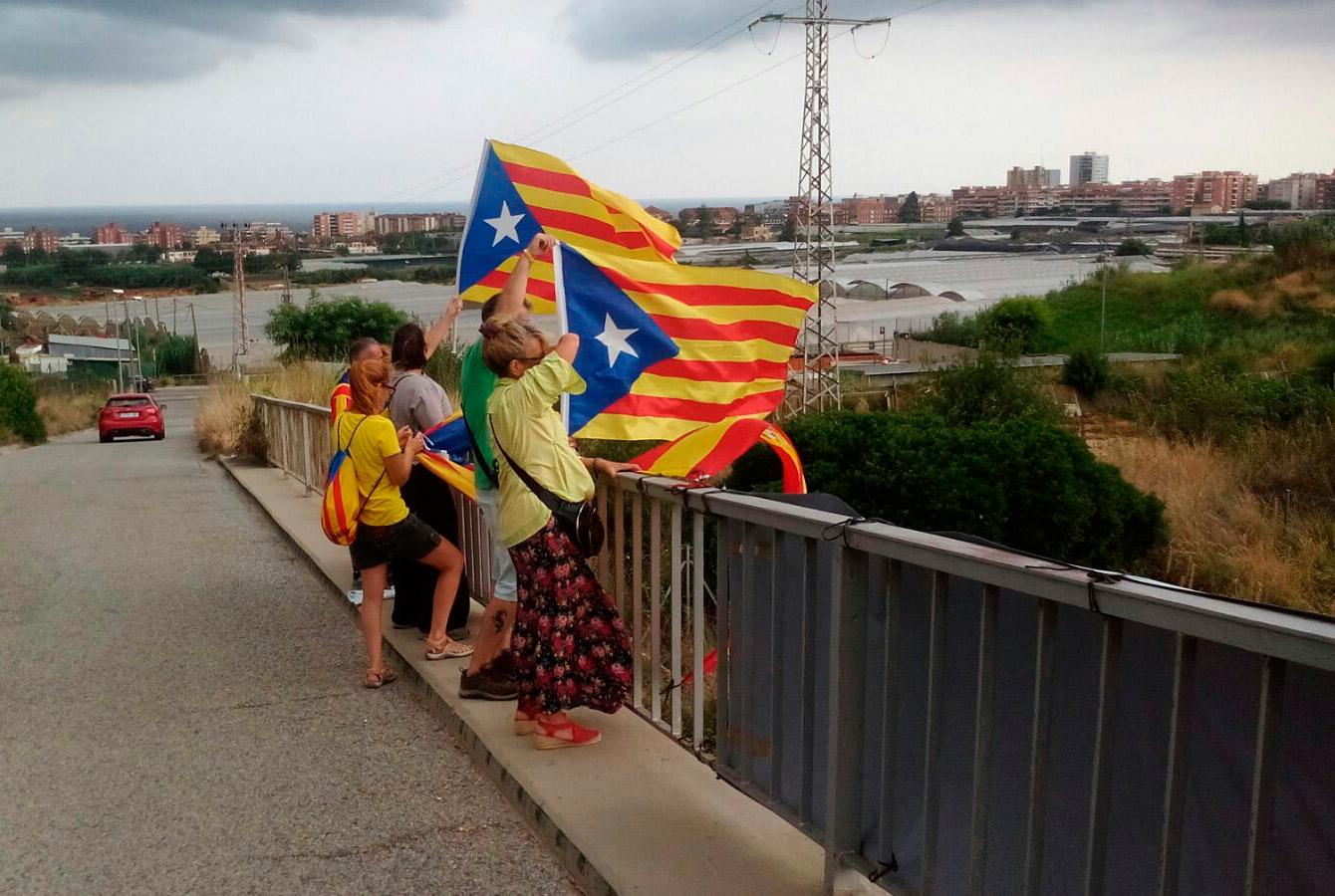 puente_ap7-separatistas24082018-02.jpeg