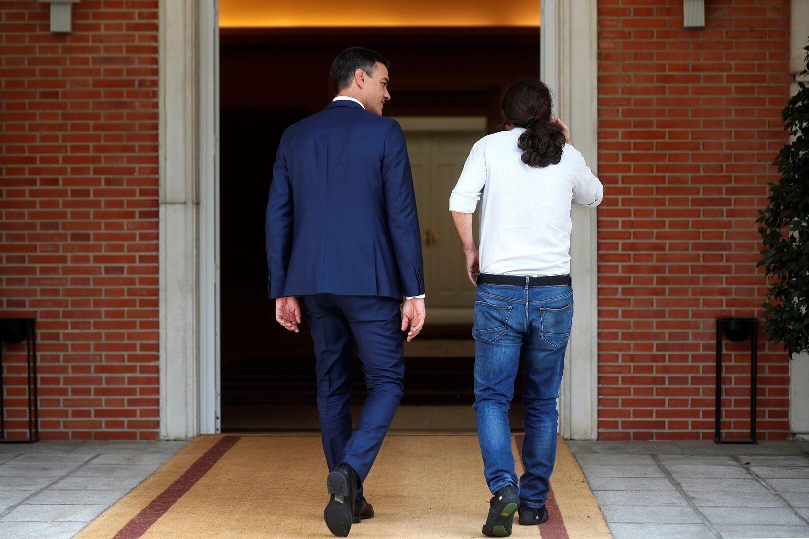 El PSOE se dispara según los sondeos, con Vox por delante de Cs