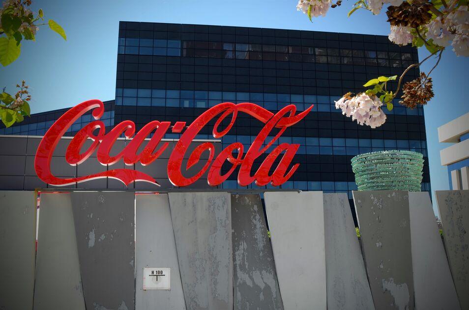 coca-cola-estudia-entrar-en-el-mercado-de-las-infusiones-de-cannabis