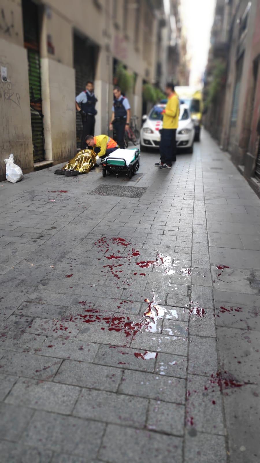 sangre-calle-barcelona-280918.jpg