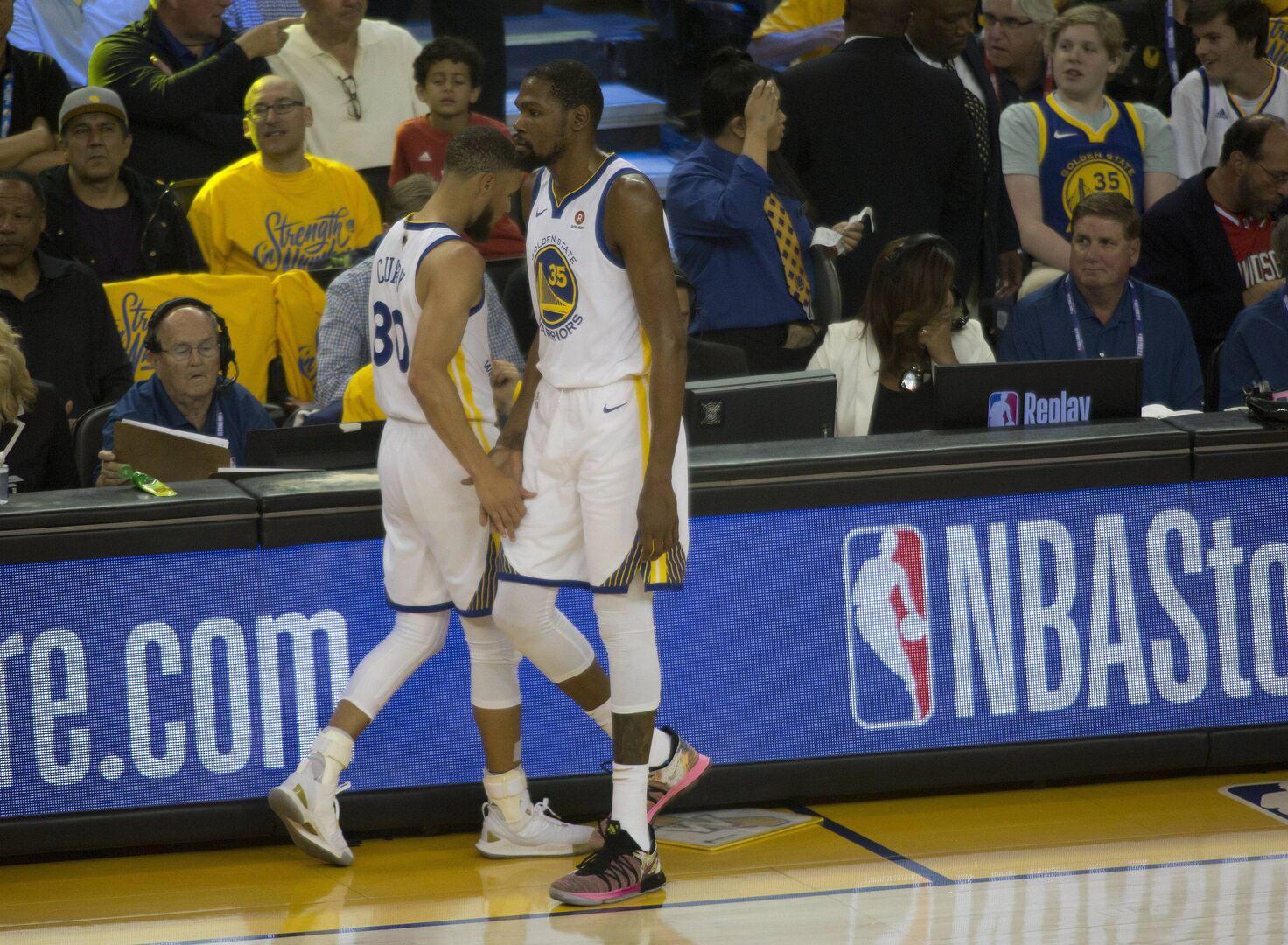 03fbb71374b Kevin Durant y los Warriors se preparan para su salida de la ...
