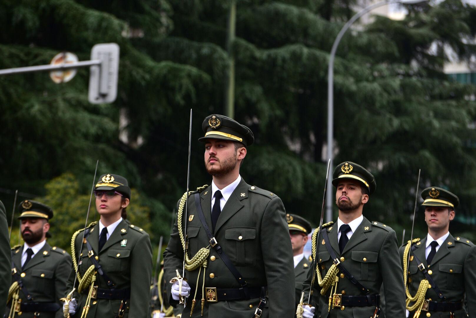 Defensa deriva hacia Toledo a 900 aspirantes a suboficial que se iban a examinar en Lérida