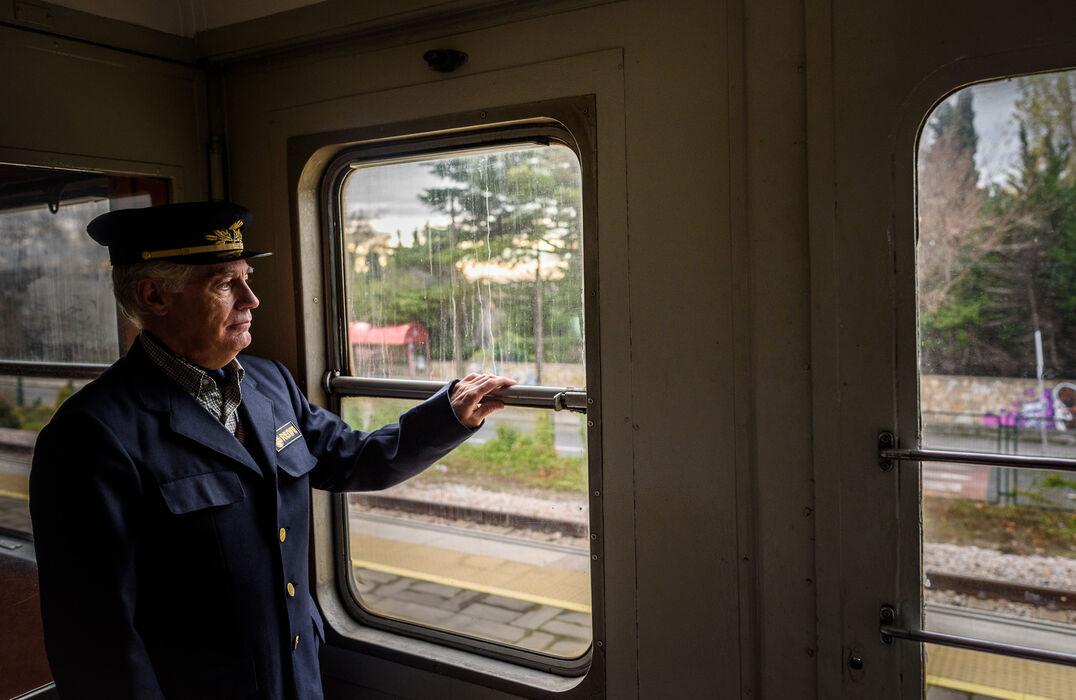 Regreso al pasado por un día, en el tren que unió Segovia y Madrid