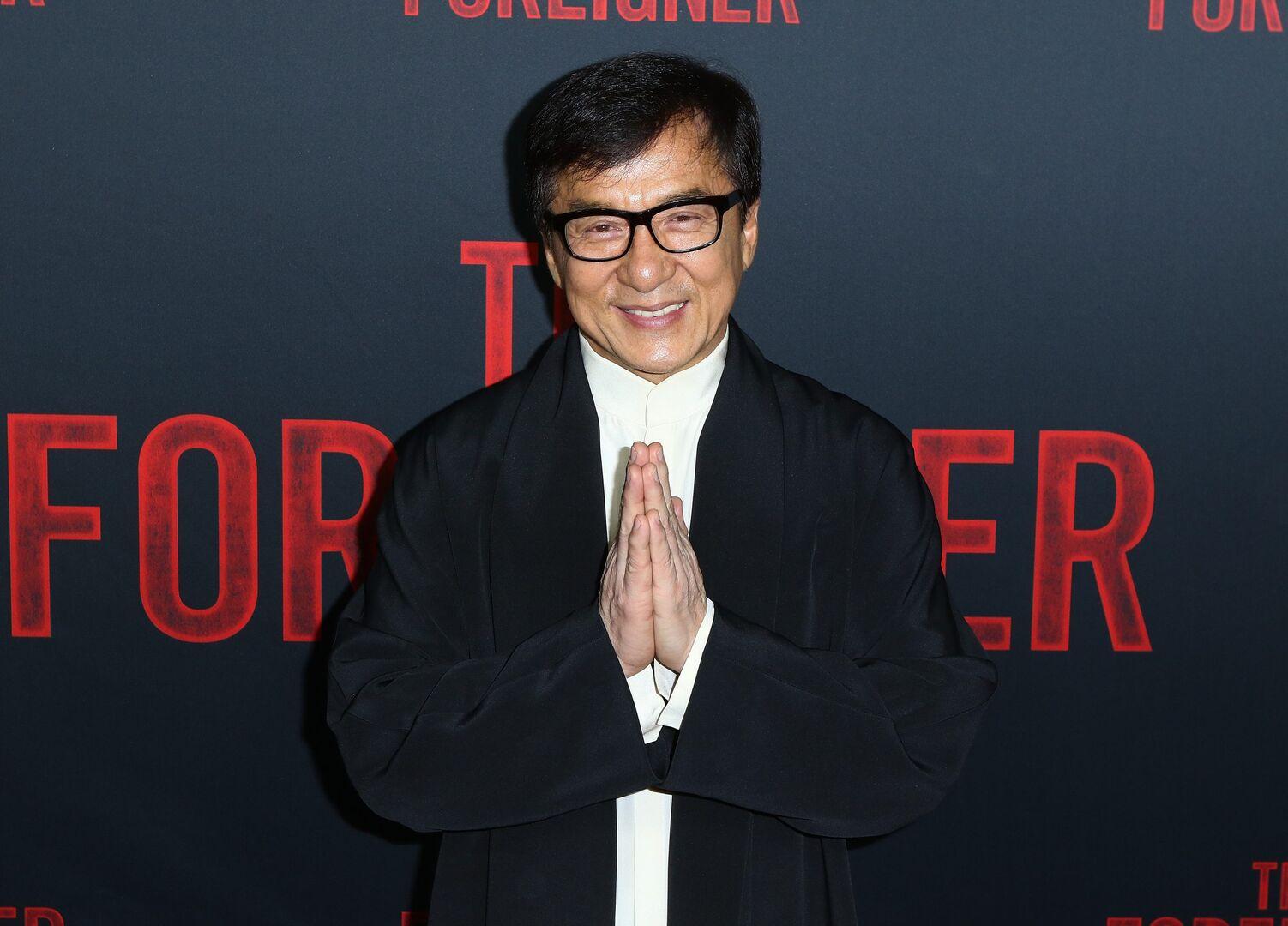 Desvelado el lado oscuro de Jackie Chan: drogas, prostitutas y violencia