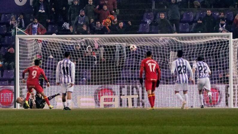 El penalti que marca Ángel.  8e1aae49c553c