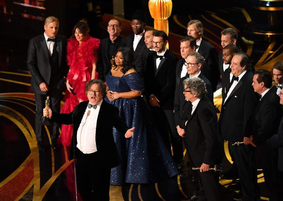 Los progres y atontados Oscar aburren (pero Lady Gaga y Bradley Cooper provocan éxtasis mundial)