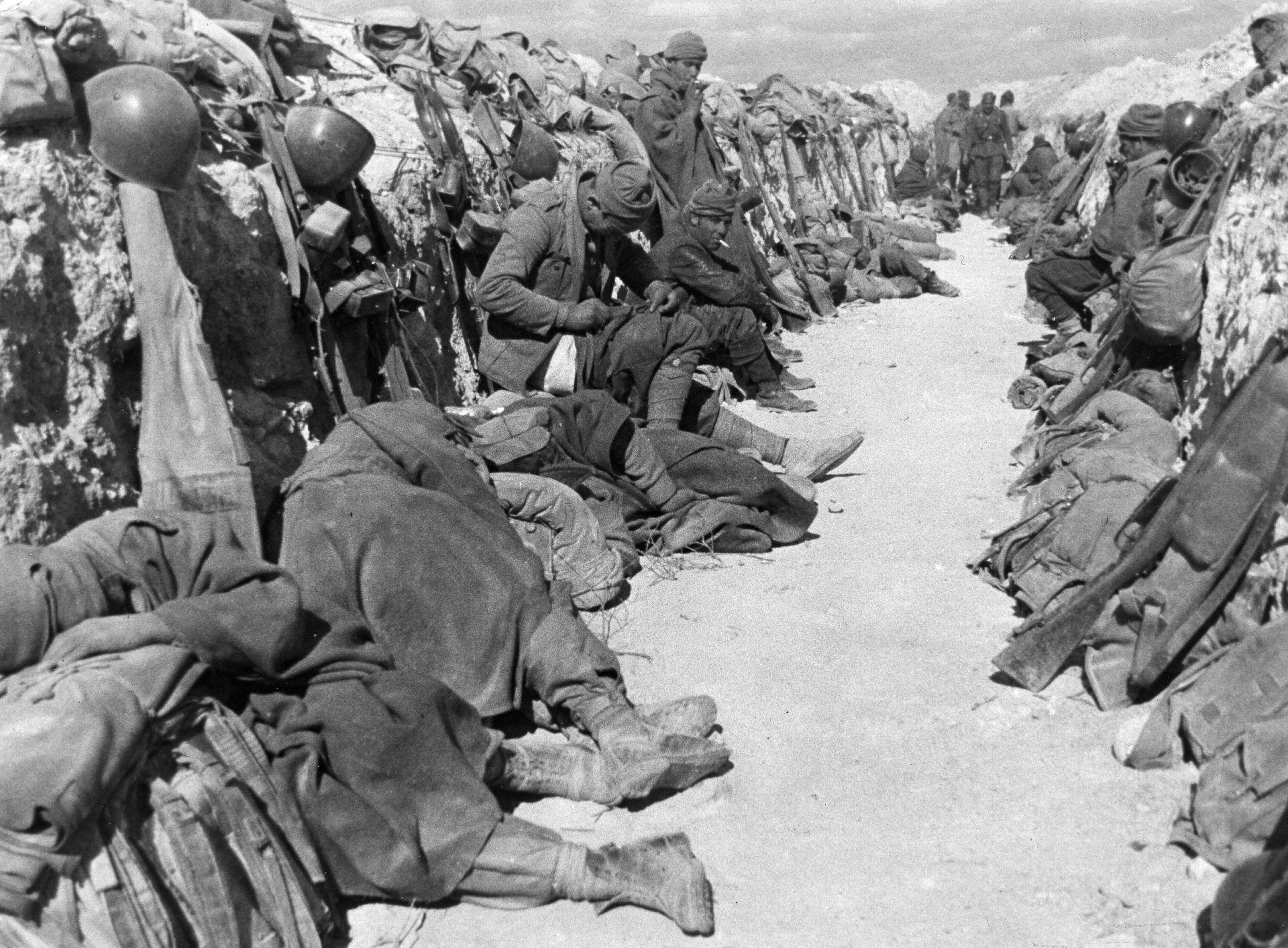 soldados-trinchera-madrid-1939.jpg