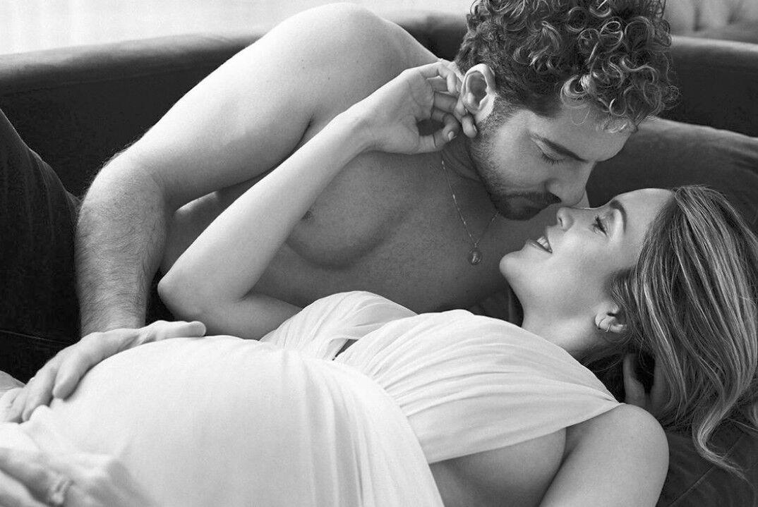 Las sensuales fotografías de Bisbal y Zanetti en los últimos días de embarazo