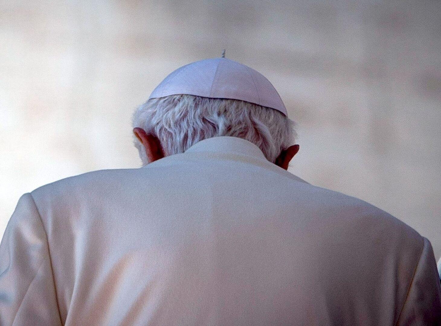 El Papa emérito Benedicto XVI publica un documento asumiendo los casos de abusos y pederastia en la Iglesia