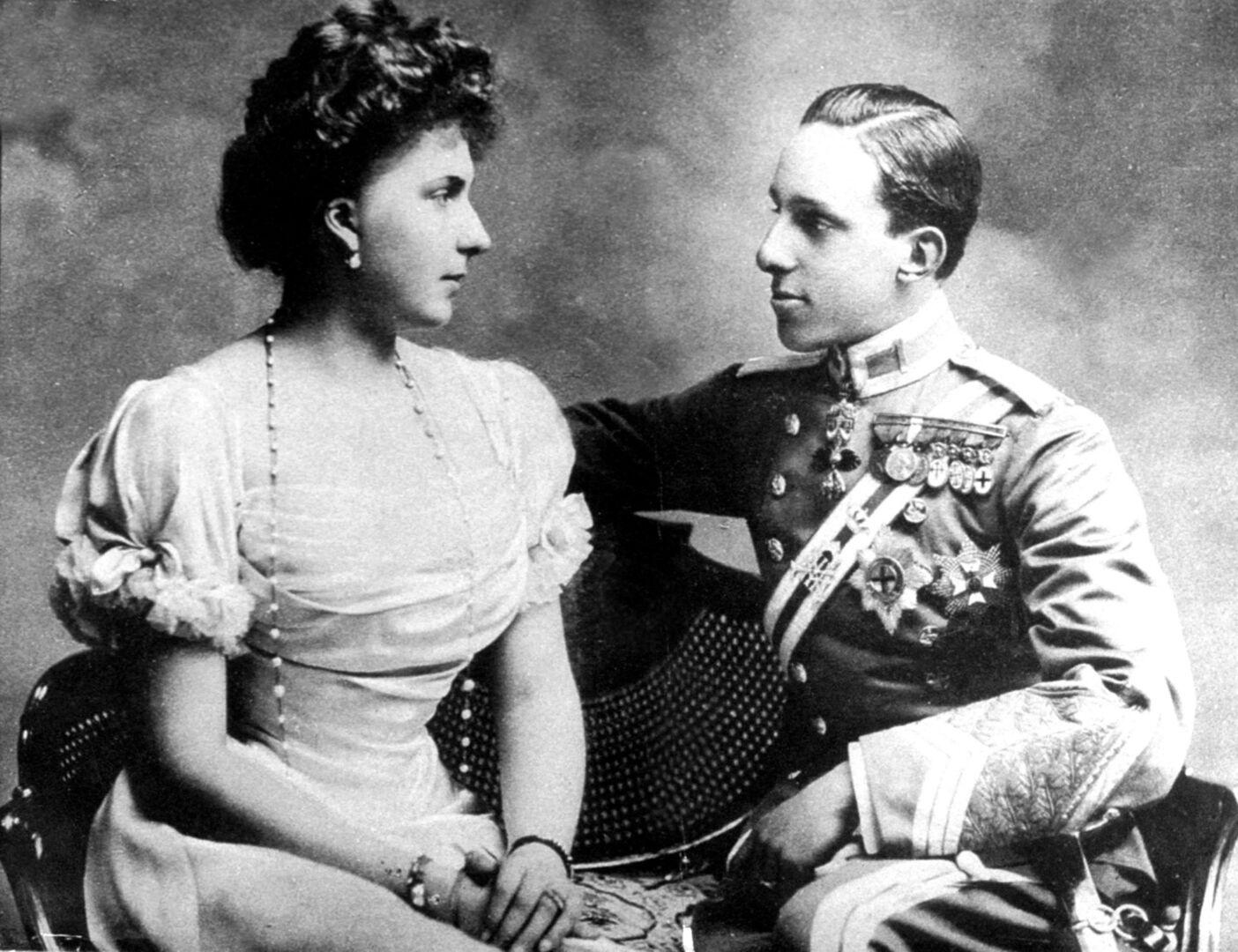 Indifelidades, enfermedades, exilio... la desdichada vida de la reina Victoria Eugenia