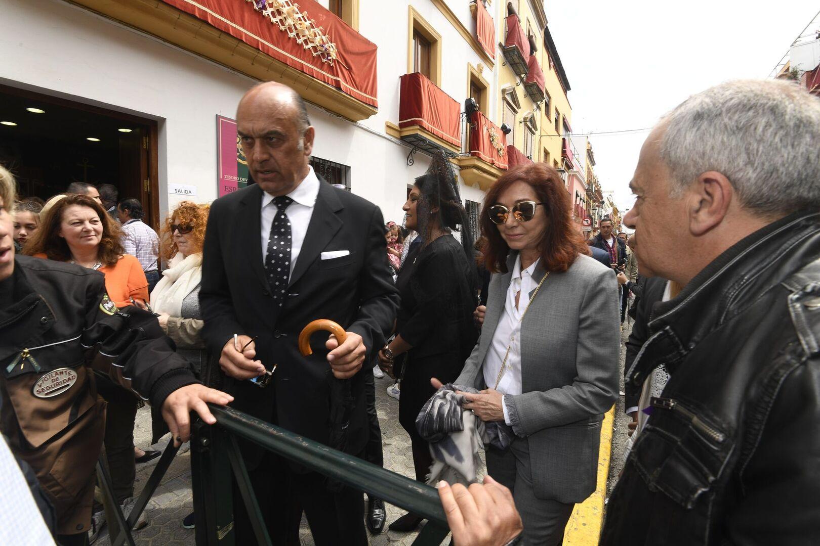 La escapada de Ana Rosa Quintana y su marido a la Semana Santa de Sevilla