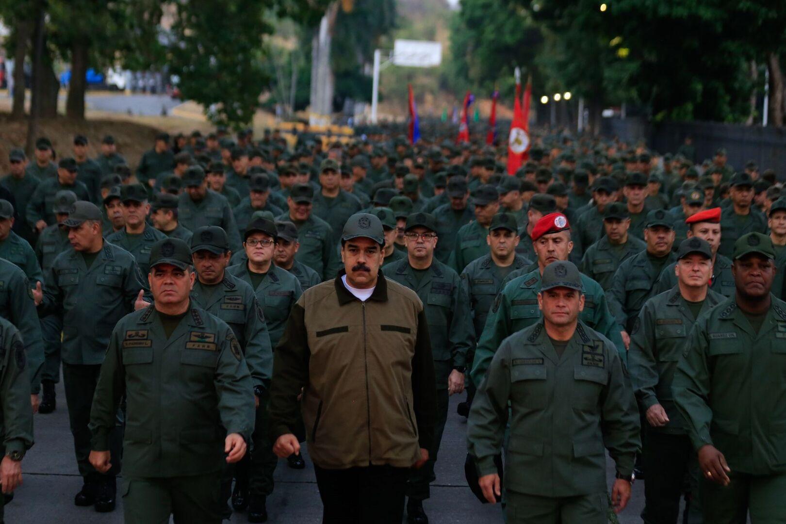 Noticias y Generalidades - Página 39 020519-maduro-militares