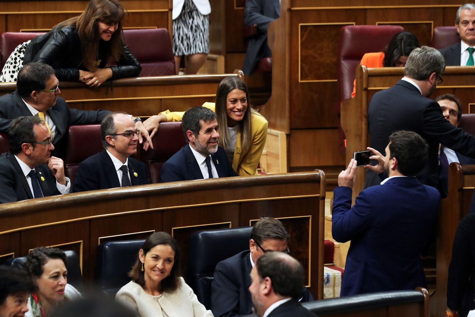 La Mesa del Congreso suspende a los cuatro diputados presos tras el informe de los letrados