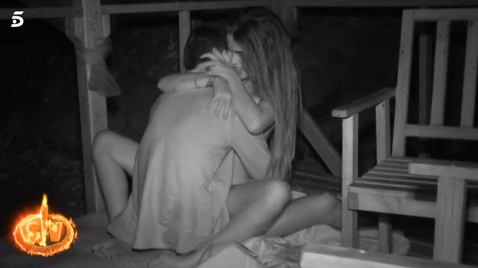 Burlas Masivas Por Los Gemidos De Violeta En Su Noche Loca En