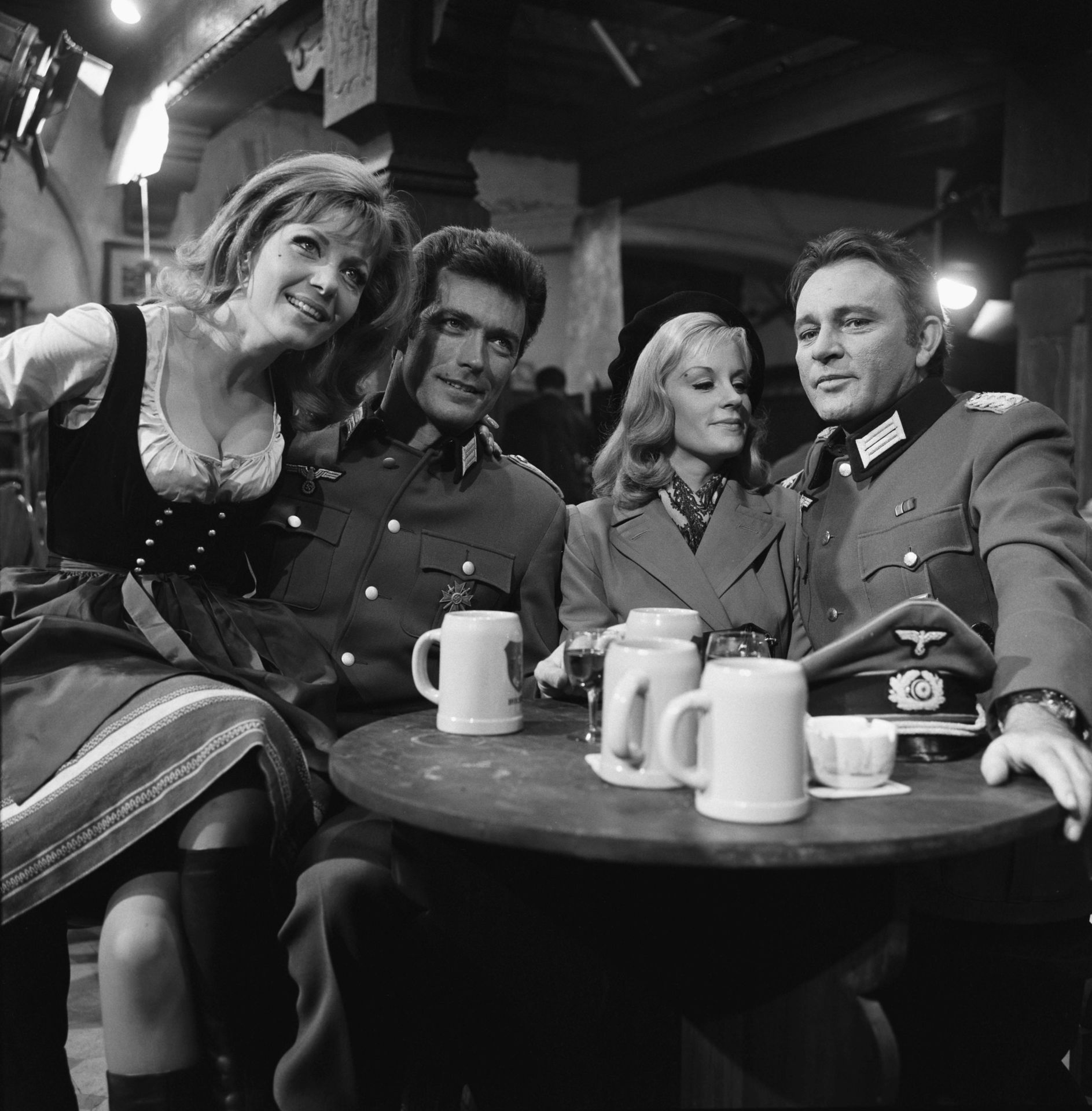ingrid-pitt-clint-eastwood-mary-ure-rich