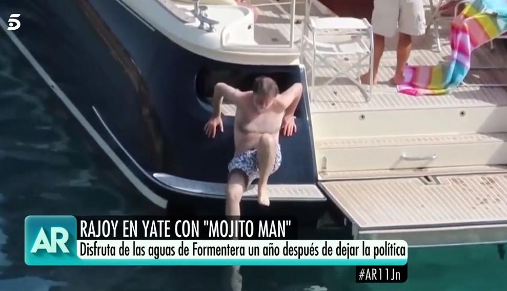 rajoy-agua-barco.jpg