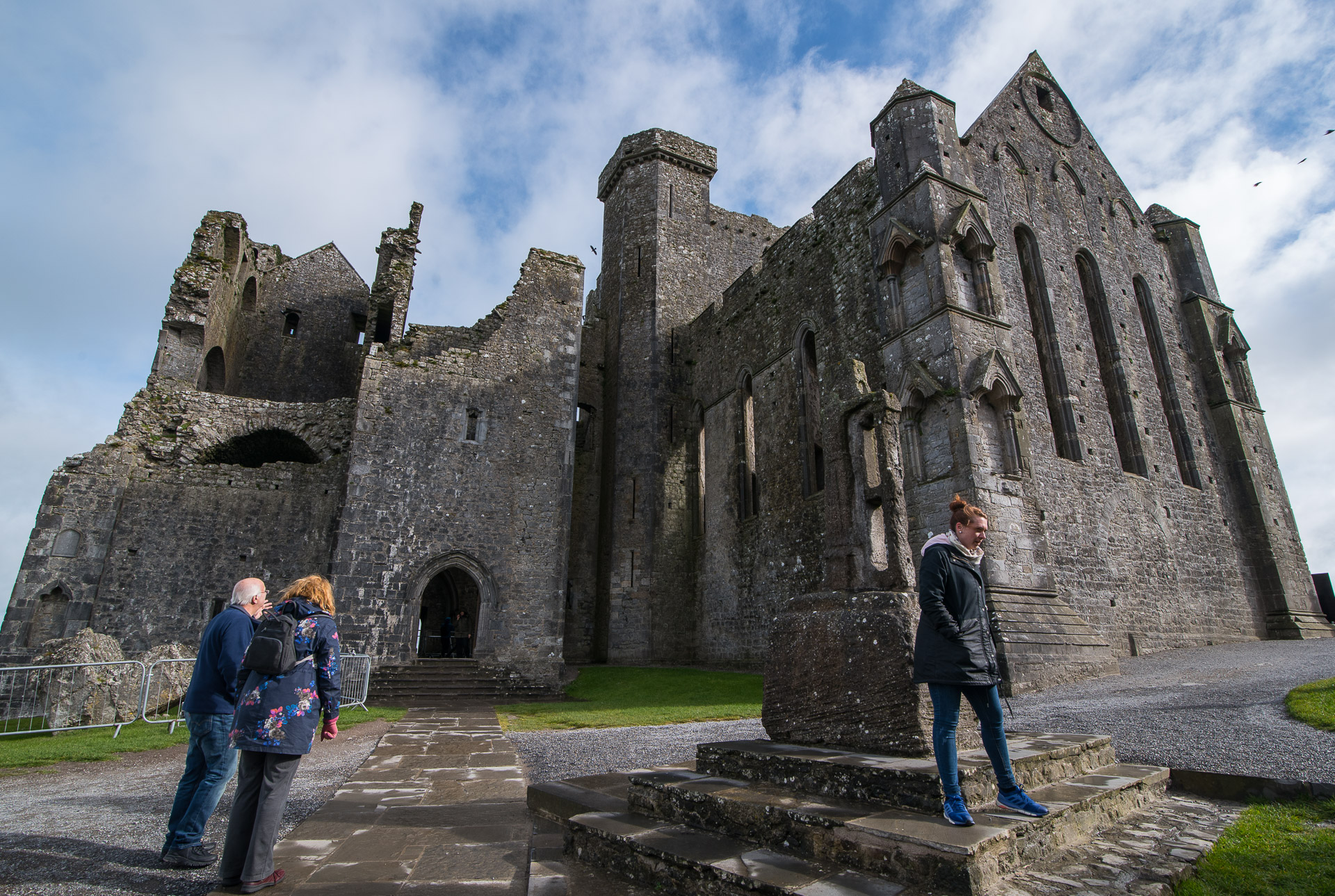 rock-of-cashel02.jpg